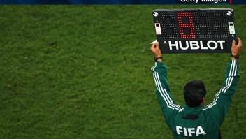 Autorizan cinco cambios en el fútbol profesional