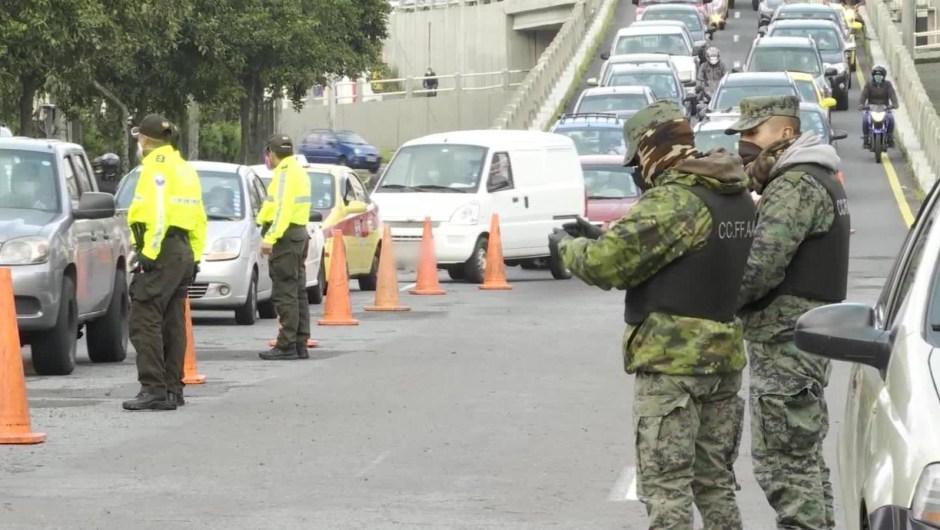 Aumentan los controles en Quito por temor a más contagios de covid-19