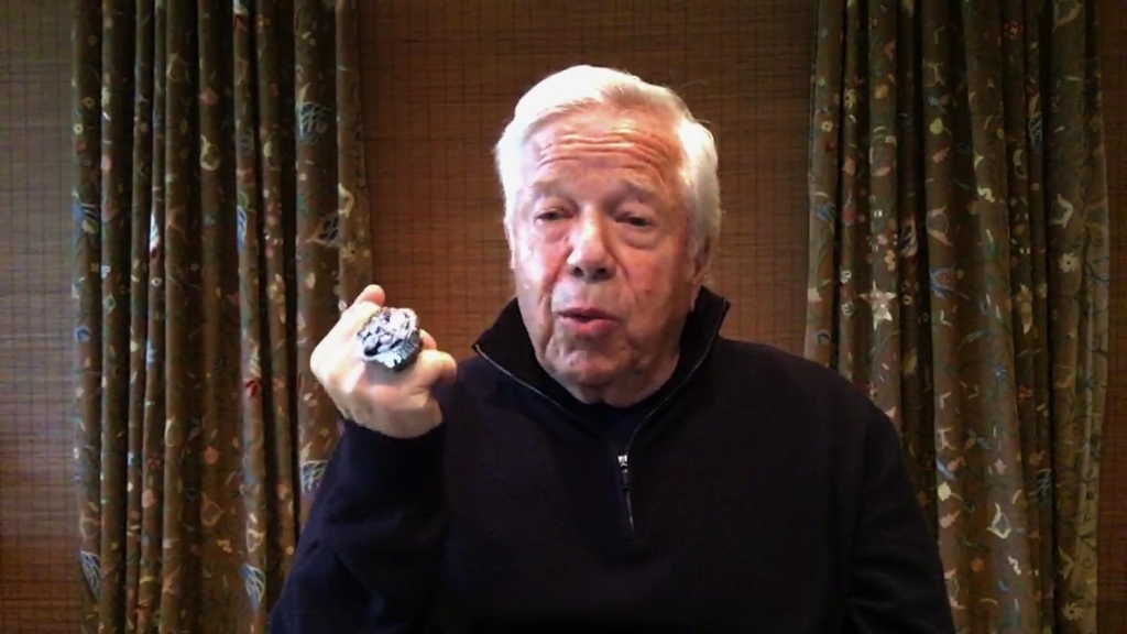 Robert Kraft subasta anillo de Super Bowl