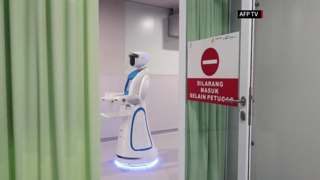Robots nos están ayudando a combatir el covid-19