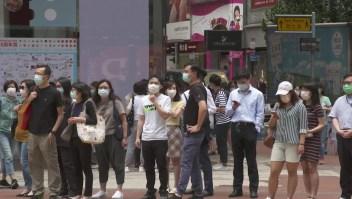 Hong Kong reabre, pero Asia sigue en guardia ante el covid-19