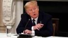 Trump dice que él decide qué días tomar hidroxicloroquina