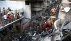 Pakistán: recuperan la 'caja negra' del avión estrellado