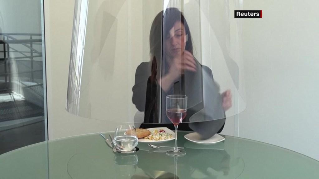 ¿Así será ahora ir a comer a restaurantes?