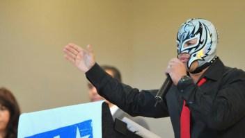 Rey Mysterio se retira de la lucha libre