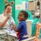Payasos se readaptan ante el covid-19 para brindar una sonrisa a niños enfermos