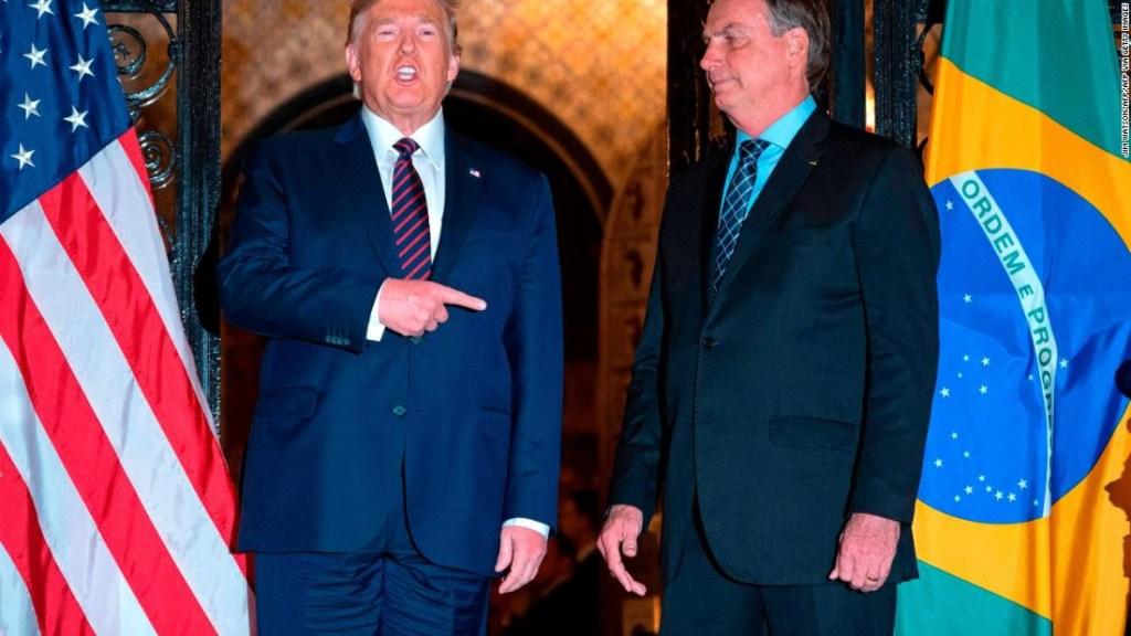 """La visita de Bolsonaro para reunirse con Trump en marzo fue un """"coronaviaje"""", dice el exsecretario de Salud de Brasil"""