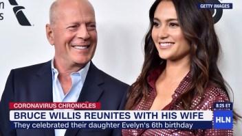 El actor Bruce Willis volvió a reunirse con su esposa actual después de haber estado en cuarentena con su exesposa Demi Moore en Idaho.