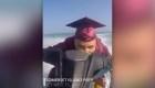 Alumnos de Florida reciben su diploma en moto acuática