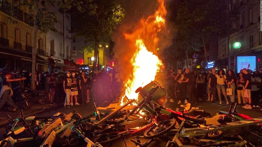 La protesta llega a París en medio de la reapertura