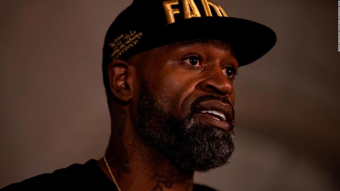 Exjugador de NBA, un soporte para la familia de George Floyd