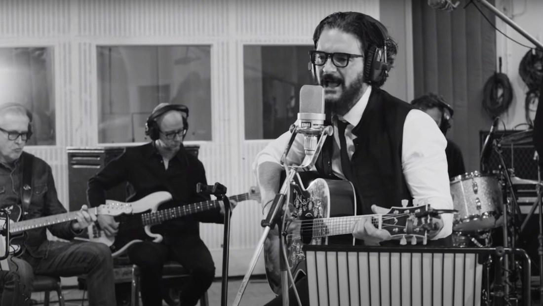 """""""El blues de la notoriedad"""", el nuevo tema de Arjona"""