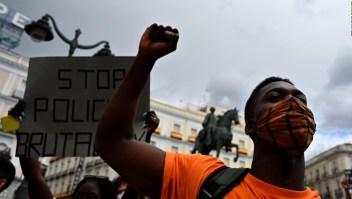 Manifestantes en España: Vivimos mucho el racismo