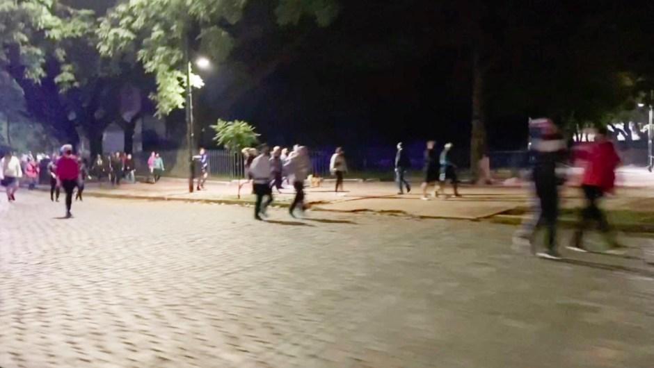 Calles de Buenos Aires se llenan de personas corriendo