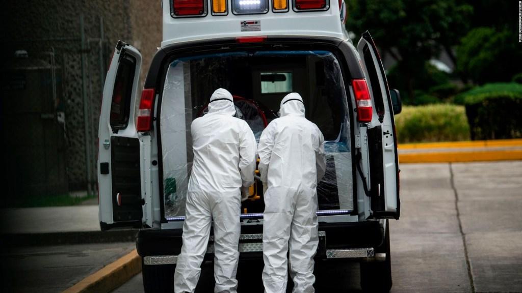 Paramédicos en México con miedo por falta de insumos