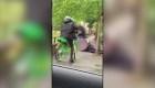 Reino Unido: hombres atacan a 2 policías en Londres
