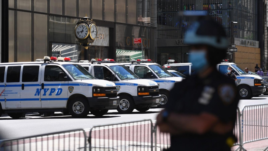 Tres policías de Nueva York intoxicados con malteadas