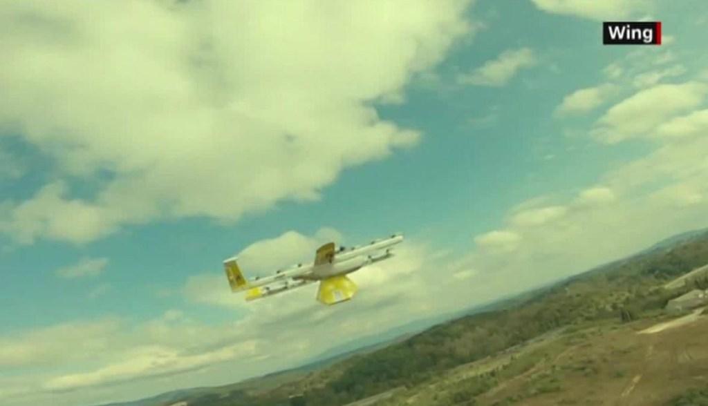 EE.UU.: bibliotecaria envía libros por medio de drones