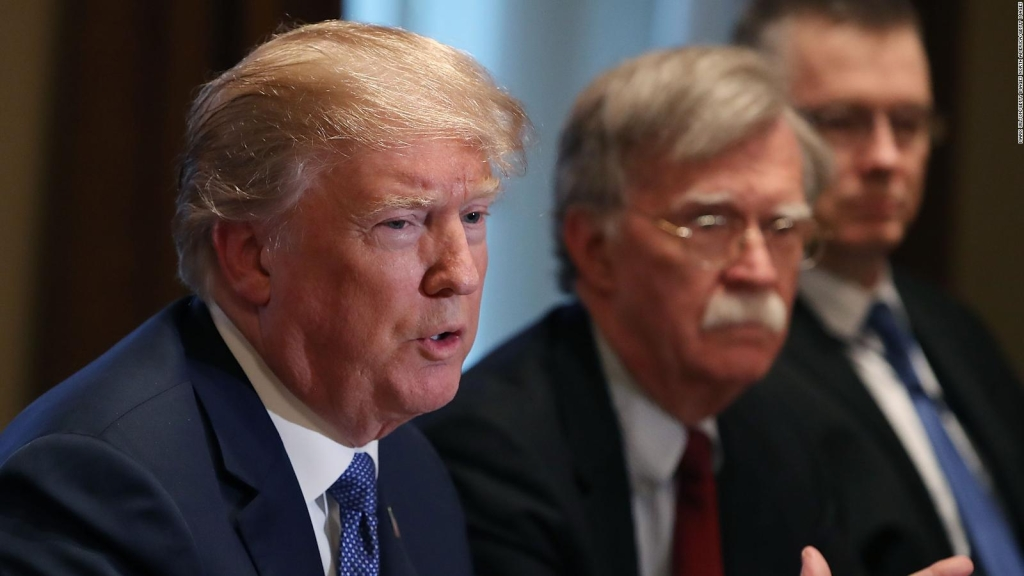 Bolton: Trump no es apto para el cargo