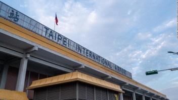El aeropuerto de Taiwán ofrece tours 'finge ir al extranjero' en medio de la pandemia