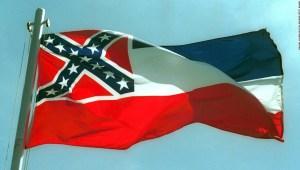 En una votación histórica, Mississippi aprueba proyecto de ley para eliminar símbolo confederado de la bandera estatal