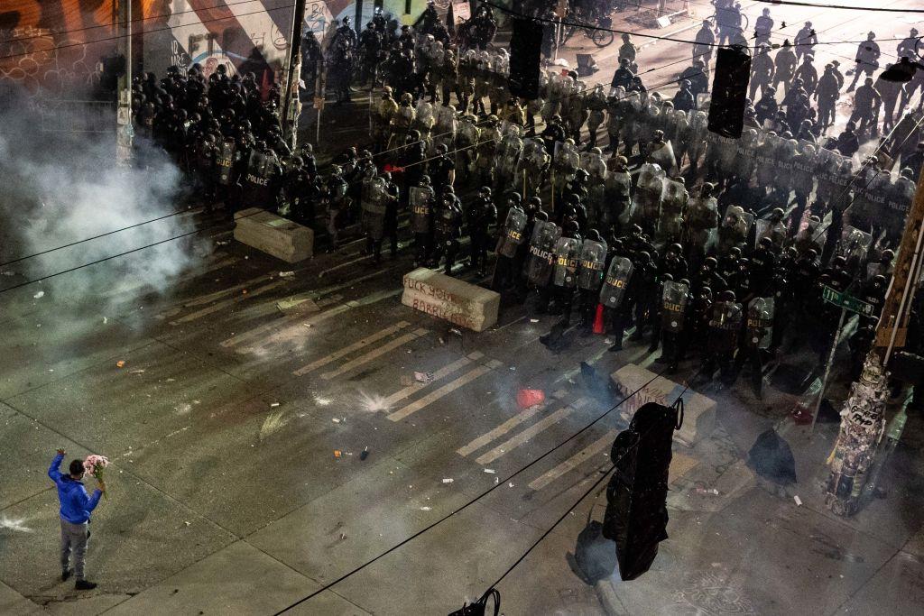 OPINIÓN | ¿Se puede disolver la policía?