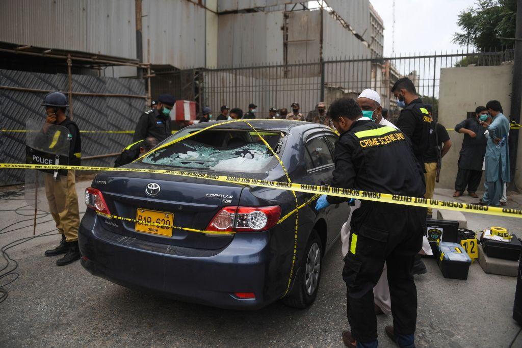 5 muertos en atentado contra la Bolsa de Pakistán en Karachi