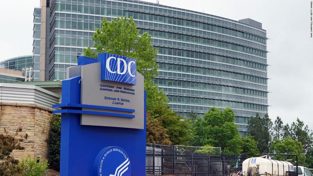 Los CDC cambian sus recomendaciones de cuarentena para quienes estuvieron en contacto con una persona con covid-19