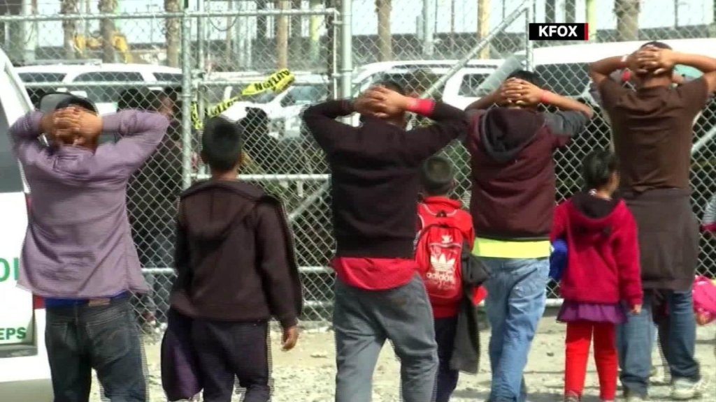 Juez bloquea intento de Trump de prohibir asilos