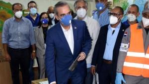 Luis Abinader lidera elecciones en República Dominicana