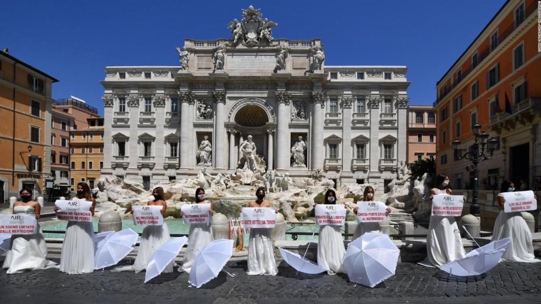 En Italia, novias piden que vuelvan las bodas