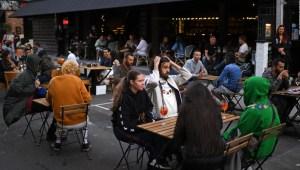 Cierran bares británicos por contagios de covid-19