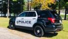 En video: policía pone su rodilla sobre un hombre