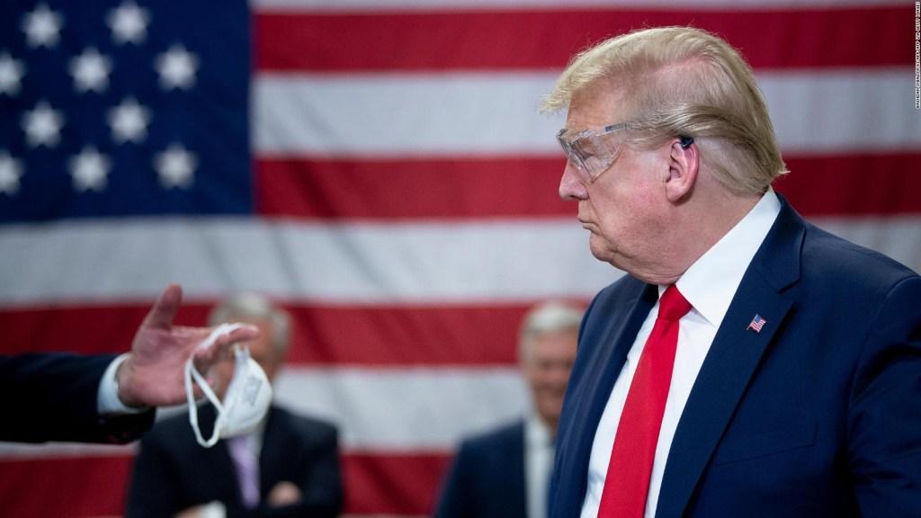 Bolton responde por qué cree que Trump no usa cubrebocas