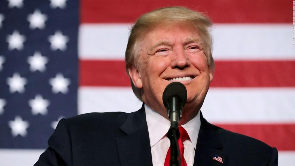 Trump crea iniciativa de desarrollo para hispanos
