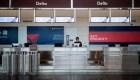 Delta reporta pérdidas millonarias y recorta sus vuelos