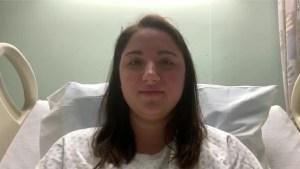 Enfermera de una UCI en Texas es hospitalizada por covid-19 tras dar negativo en la prueba