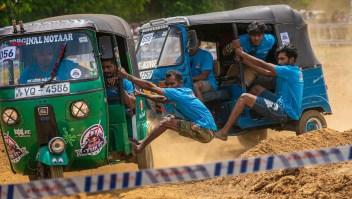 Así es el loco mundo de las carreras de tuk-tuk