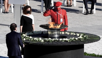 España rinde homenaje a víctimas de covid-19