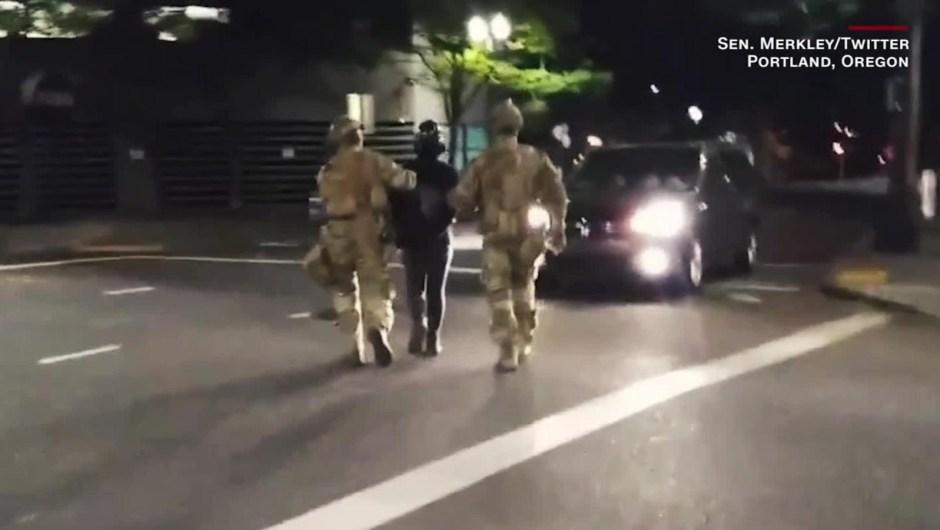 Alarma por videos de agentes federales operando en Portland