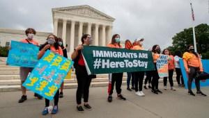 Abogado critica medida de Trump de renovar DACA por 1 año