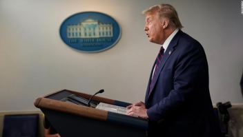 """Trump advierte que la pandemia """"empeorará antes de mejorar"""""""