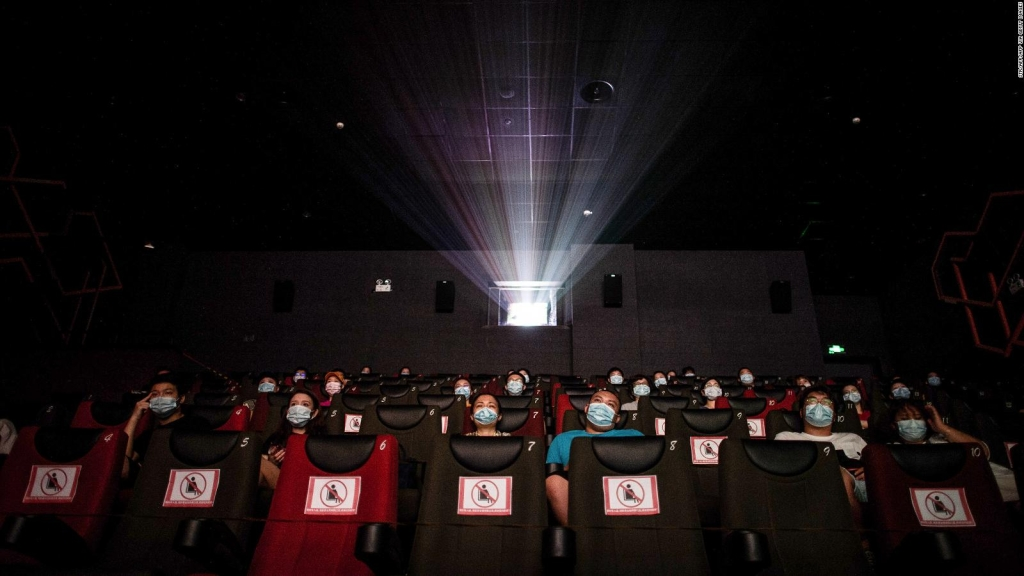 Reabren los cines en China