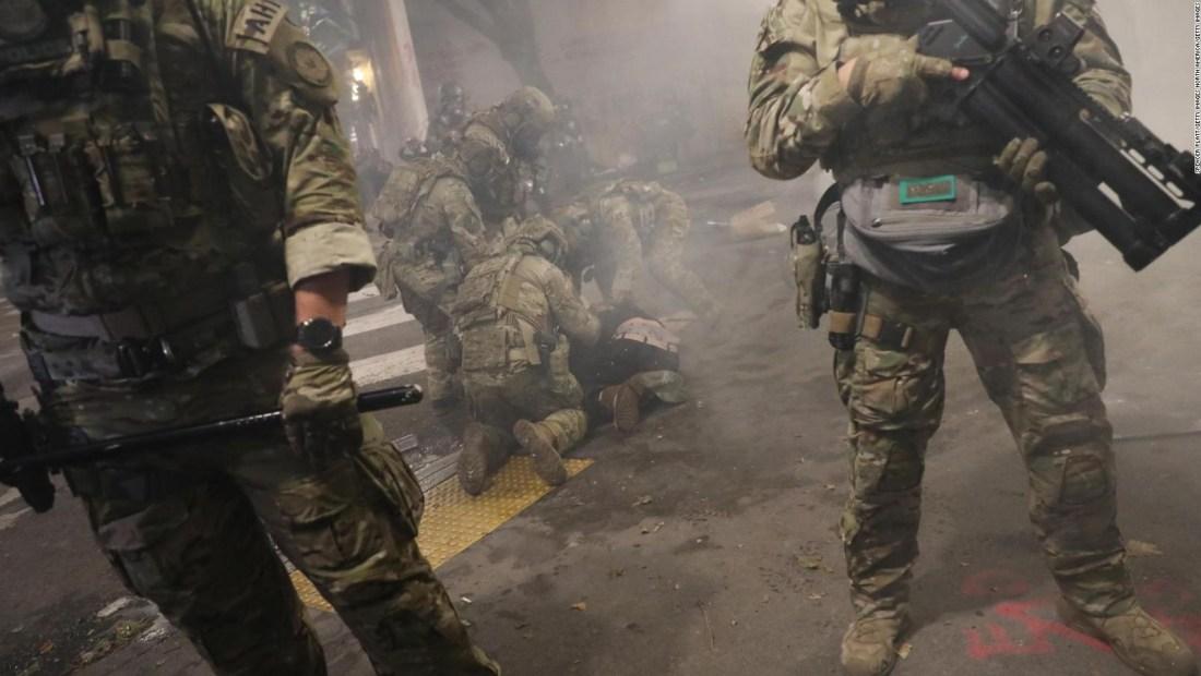 Violentos enfrentamientos en al menos seis estados de EE.UU.