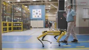 """Robot """"enfermero» mide los signos vitales de pacientes a distancia – CNN"""