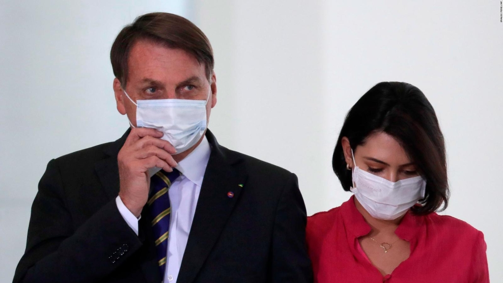 5 things: Bolsonaro says he has mold on his lungs