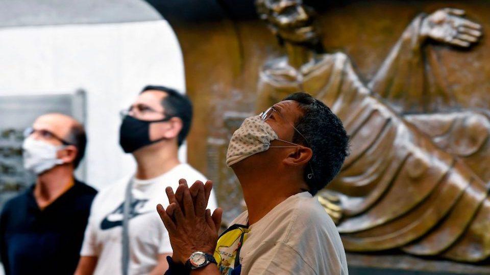 """México supera a Italia en número de muertos por covid-19; AMLO dice que la pandemia """"está perdiendo intensidad"""""""