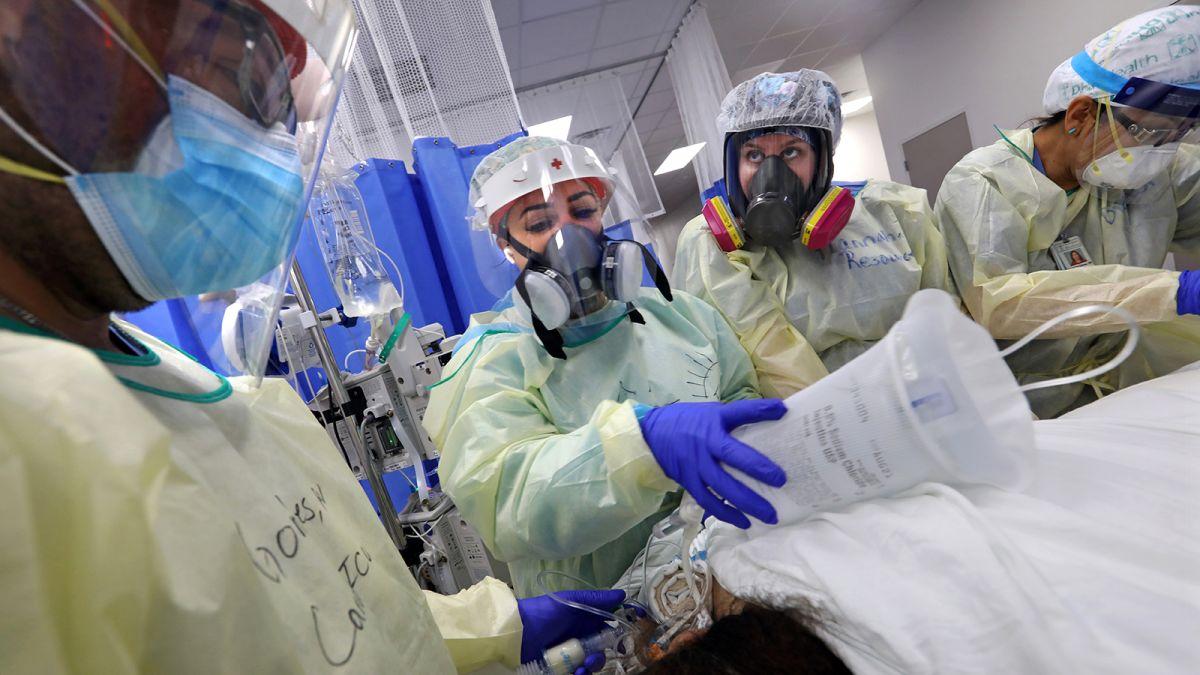 Estados Unidos registró más casos de covid-19 en las últimas dos semanas que en todo junio
