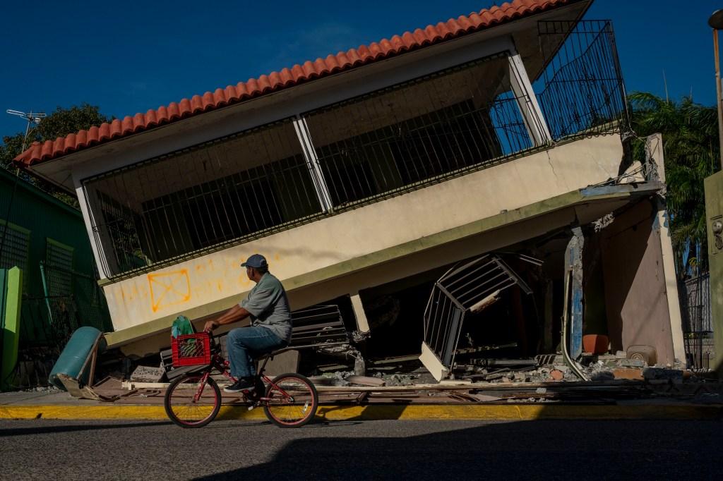 Asignan fiscales especiales para investigar a la gobernadora de Puerto Rico y otros altos funcionarios