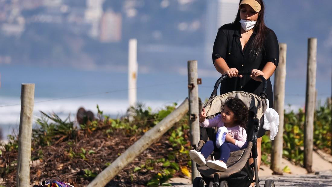 La pandemia afecta más a las mujeres y los gobiernos deben actuar ahora, advierte el FMI